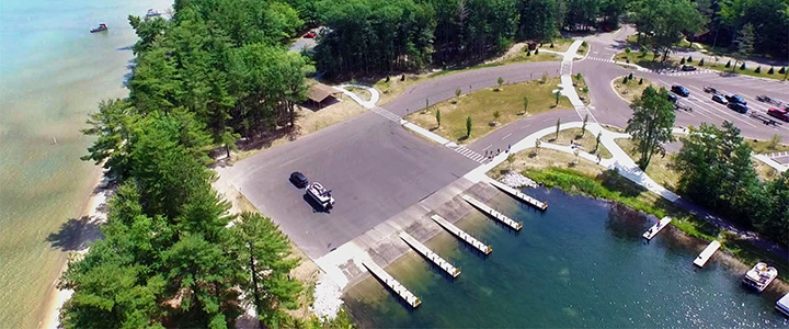 Practicing proper boat launch ramp etiquette will ensure things at the launch run smoothly.